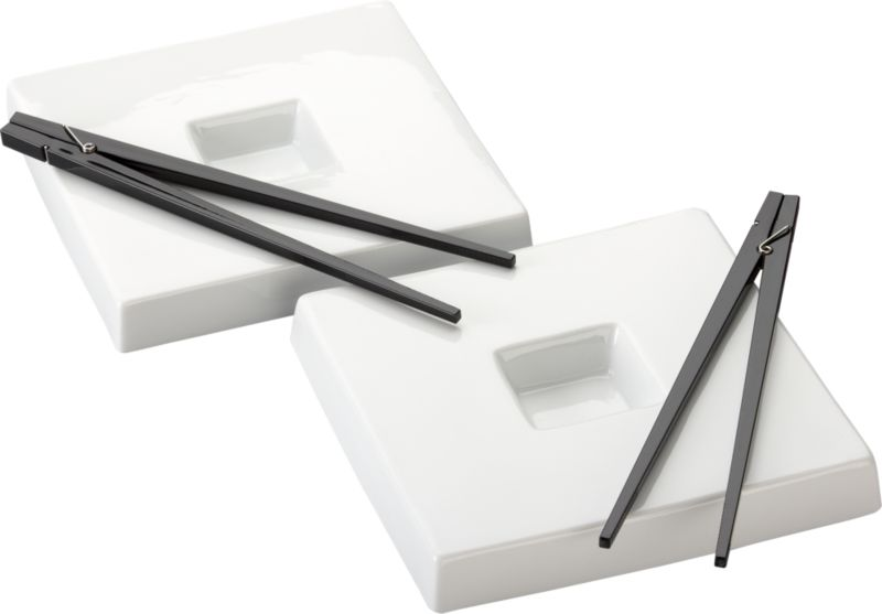 2-piece black clothespin chopsticks and dunk sushi plate set