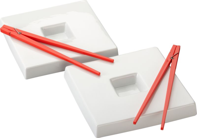 2-piece red clothespin chopsticks and dunk sushi plate set