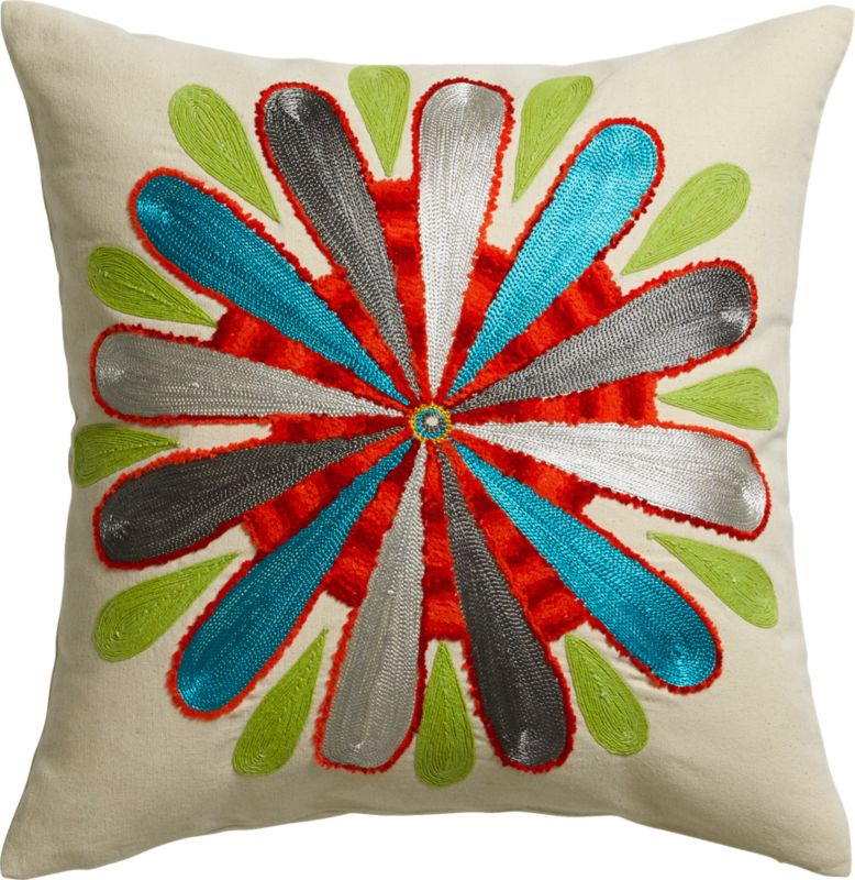 "embroidered bold flower 18"" pi"