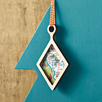 wood frame diamond ornament