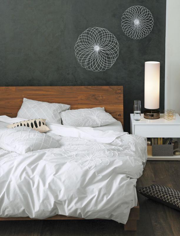dahlia flower bed linens